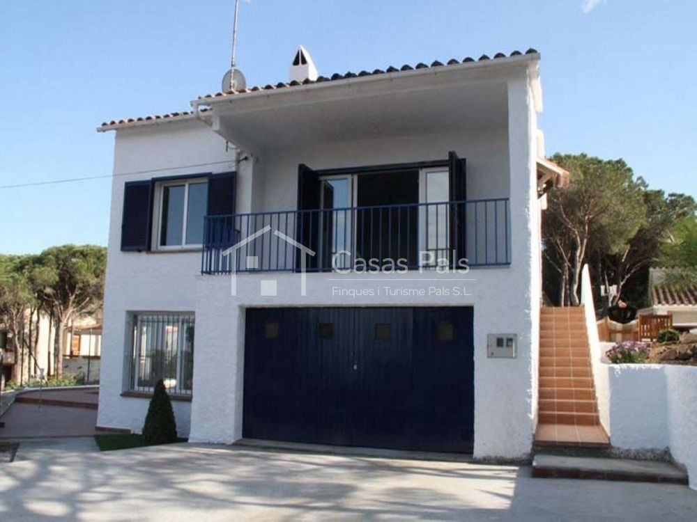 Casas pals chalet con piscina privada en pals - Casa playa costa brava ...