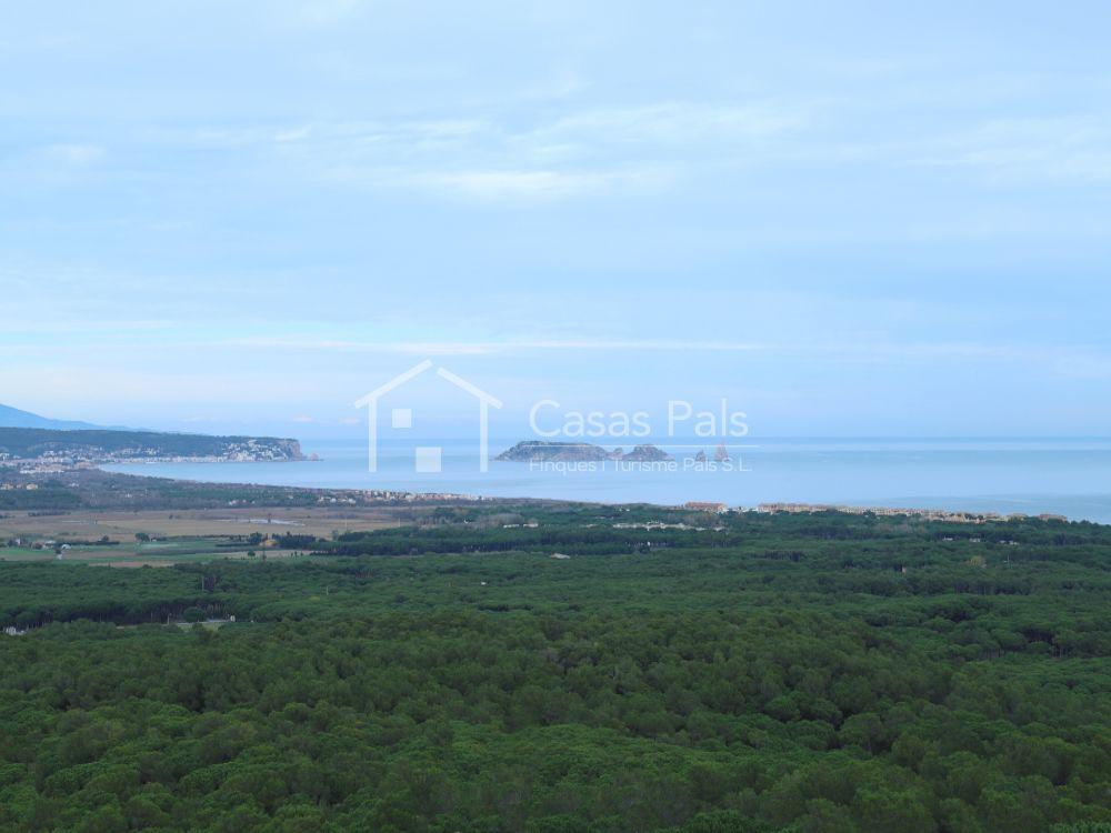 Casa amb vista al mar a Pals
