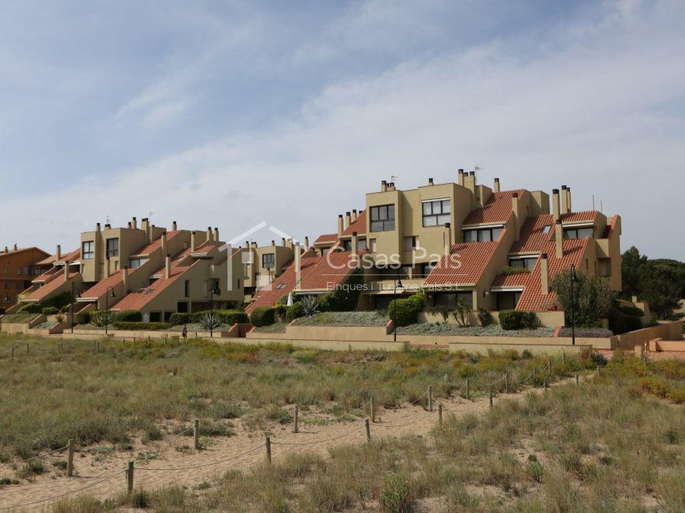Atic Duplex a la Comunitat de Villa de Golf