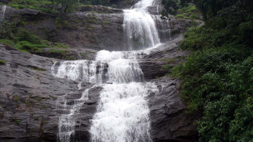 cheeyappara-waterfalls-idukki_xj2ikw