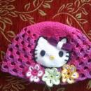 Kitty and the flowers cap