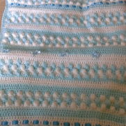 bobble blanket with removeable quilting for making washing easy