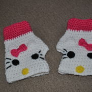 Hello Kitty Fingerless Texting Gloves