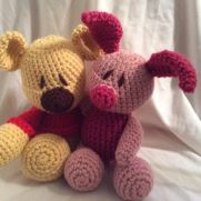 Winnie the Pooh and piglet bestest friends :)