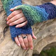Box Stitch Fingerless Gloves