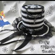 Alice Crochet Mini Top Hat