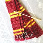 Gryffindor Harry Potter- style scarf