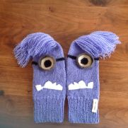Despicable me 2 crazy minion mittens :)