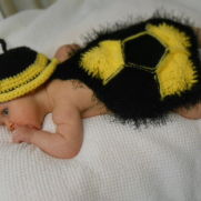 Baby Bumble Bee Photo Prop