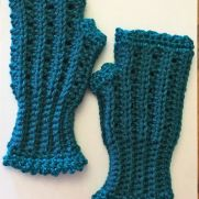 Ladies Teal Fingerless Gloves