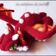 Red crochet dragon - La Calabaza de Jack