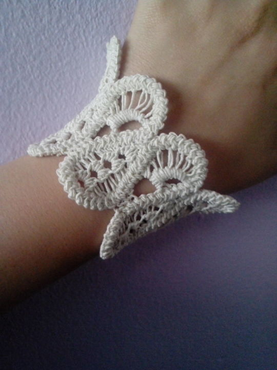 Romanian point lace bracelet
