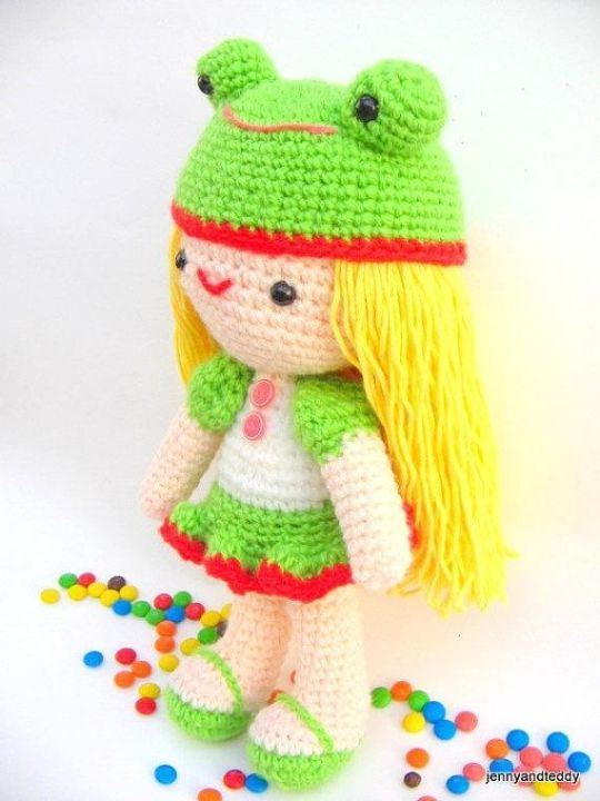 Kelly amigurumi doll free pattern