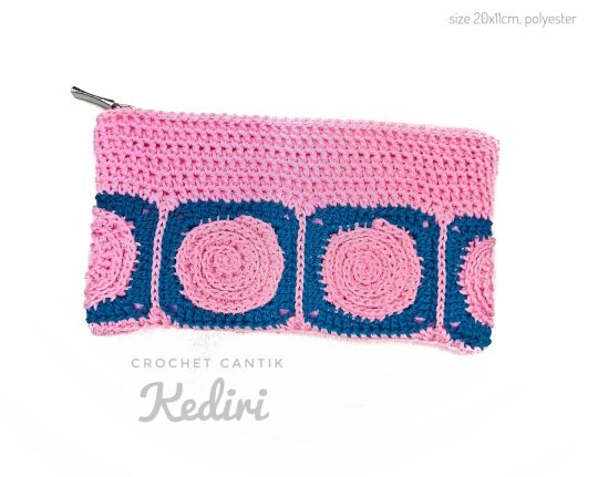 Twirling square pencil case