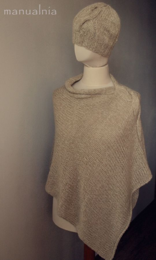 Poncho with big side cable