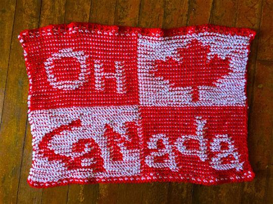 O Canada Lapghan in Tunisian