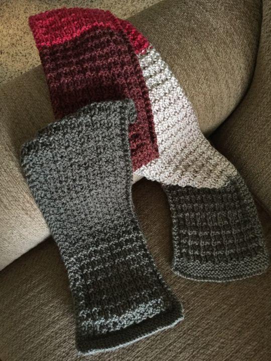 Caron cake scarf