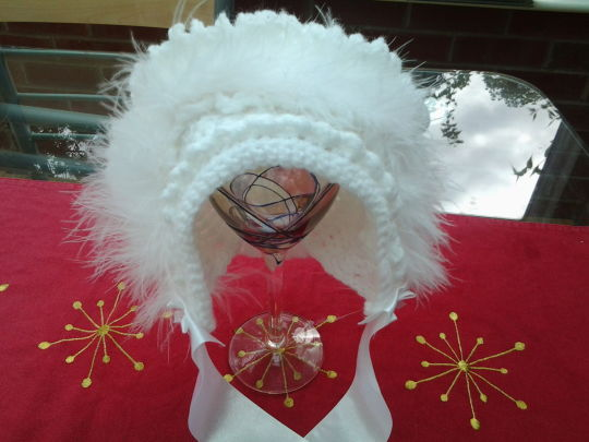 White maribu bonnet