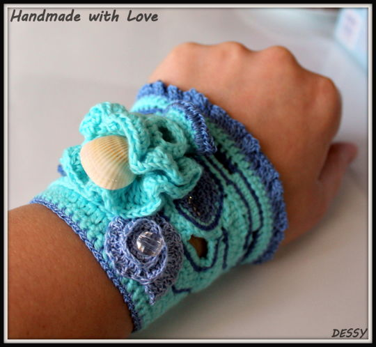 "Crochet cuff bracelet ""Sea reef"""