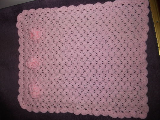 flower trim crochet blanket