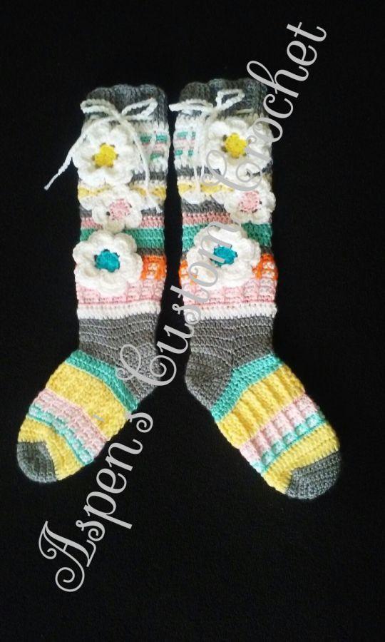 Free Spirit Slipper Socks in Pretty Pastels