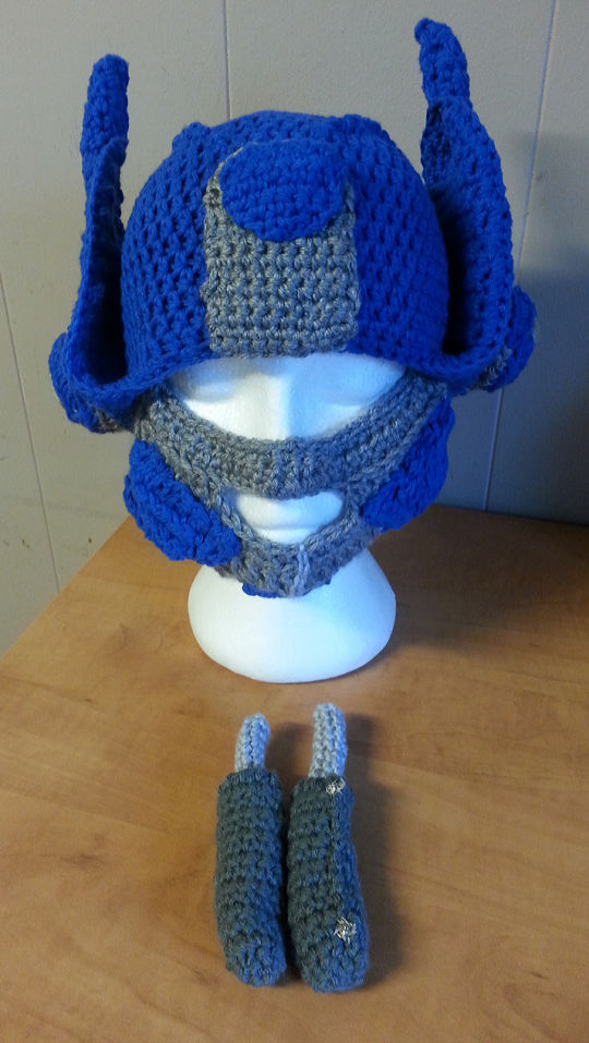 Crochet Pattern For Optimus Prime Hat : Transformer Optimus Prime reversable Hat - Crochet ...