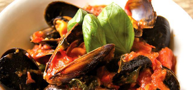 $20 Chilli Mussels at Portofinos Restaurant Quinns Beach