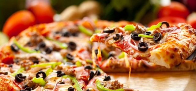 $15 or less Pizzas at The Causeway Bar