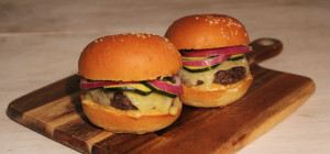 $10 Cheeseburgers at Ollie's Burgers
