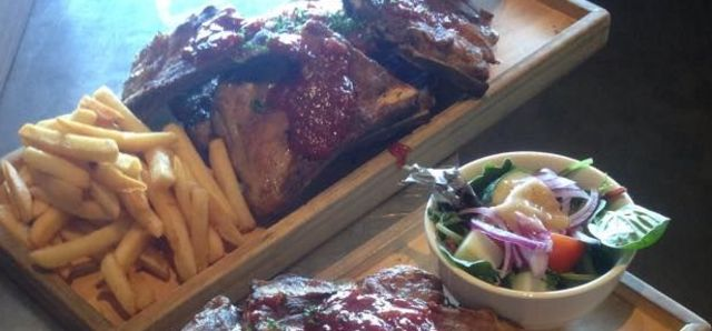 $15 Rib Night at Hyde Park Hotel