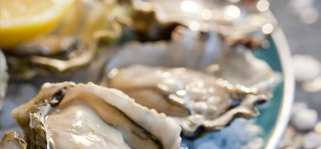 $6 For 6 Oysters at Greenwood Hotel