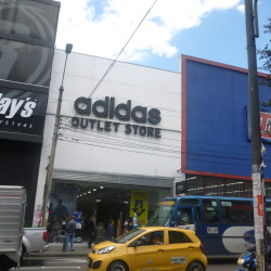 Outlet adidas chapinero