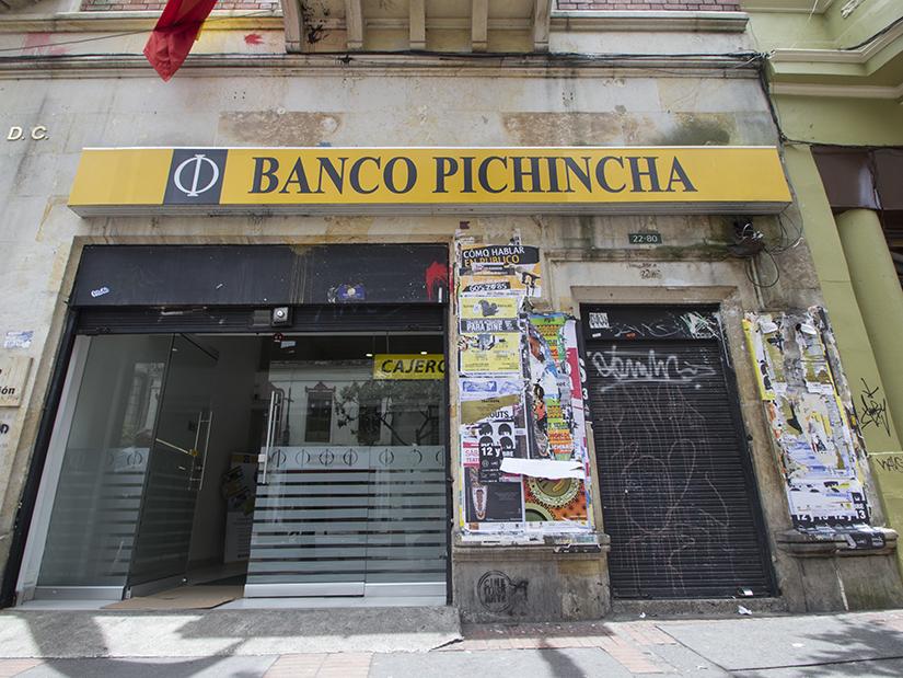 Banco pichincha centro calle 22 las nieves santa fe for Oficinas banco pichincha