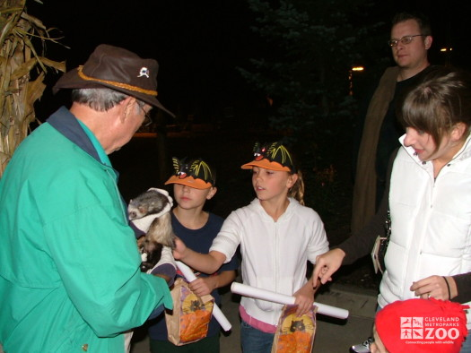 2007 Boo at the Zoo - Volunteer with ferret