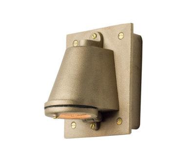 0750 Mast Light with Cast Transformer Box, Sandblasted Bronze by Davey Lighting Limited