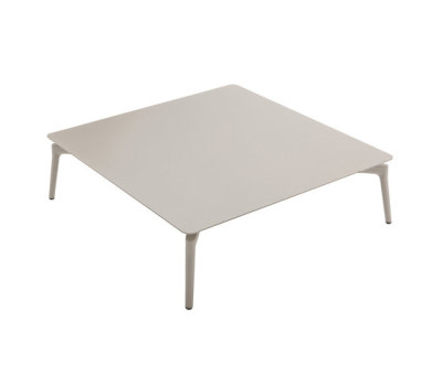 Aikana couchtable by Fast