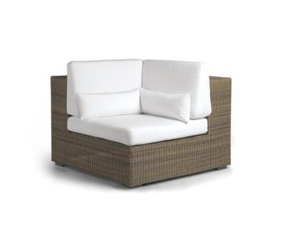 Aspen corner seat by Manutti
