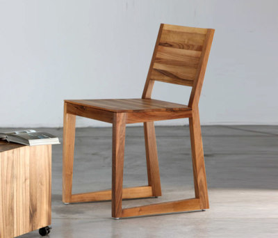 Basic Chair by Artisan