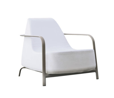Bigfoot armchair by Fast