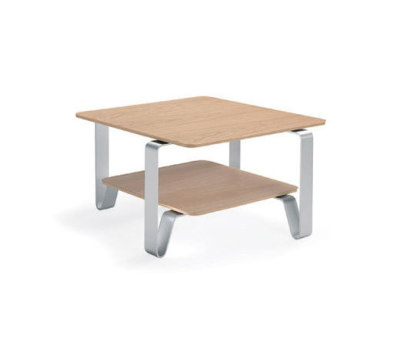 Cosmo coffee table by Materia