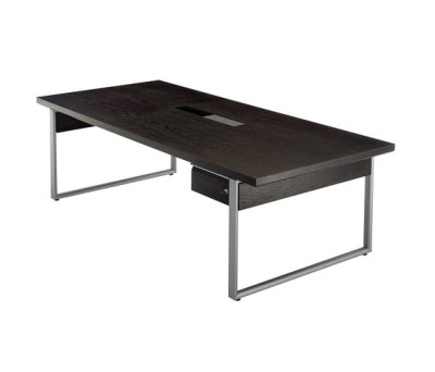 Deciso table by Kinnarps