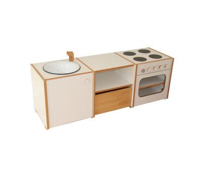 Doll`s kitchen by De Breuyn
