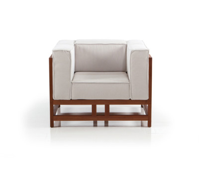 easy pieces lodge chair by Brühl