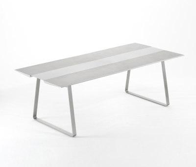 Extrados table 240 by EGO Paris