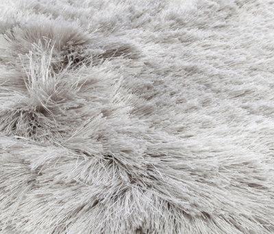 Homelike silver-cloud by Miinu