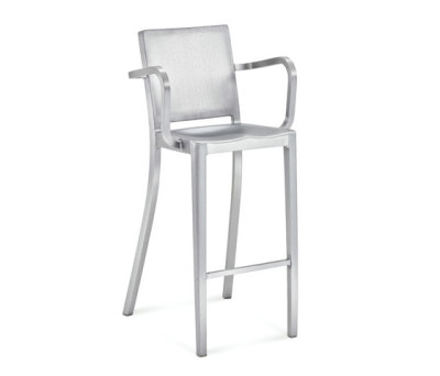 Hudson Barstool with arms by emeco