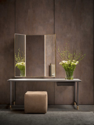 Iko Console by Flou