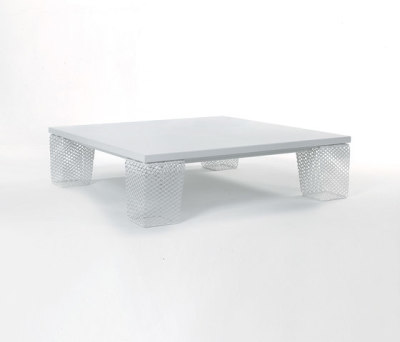 Ivy coffee table with solid top