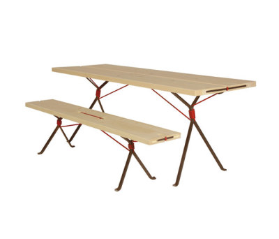 Kampenwand Bench and Table by Moormann