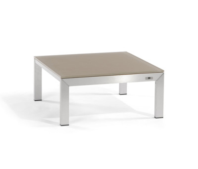 Liner lounge table by Manutti